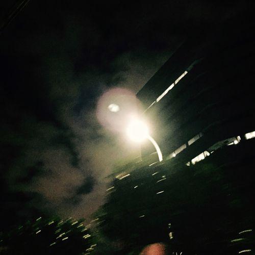 考え事。苦しいね。 Taking Photos Hello World Light Night Nightphotography この辺、なんもないわ。