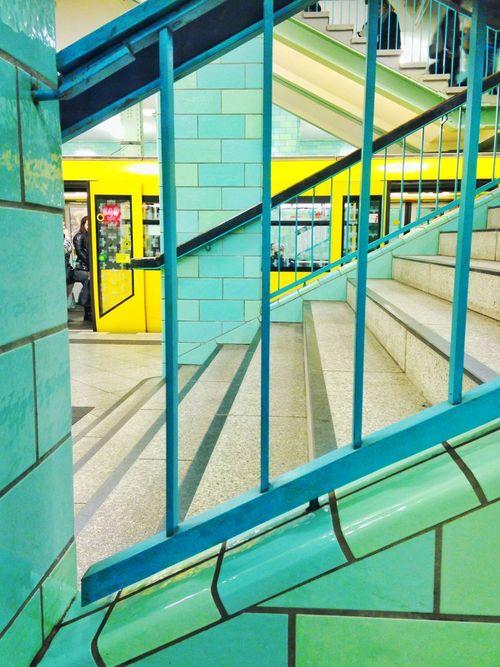 Colours. Lines. Alex. Ubahn Lemon Lime By Motorola Berlin Living Bold