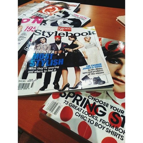 Catching up on some reading with Kaitlansface Vogue Lenadunham Girlshbo torontolife style magazines rollingstone nylon thesmiths