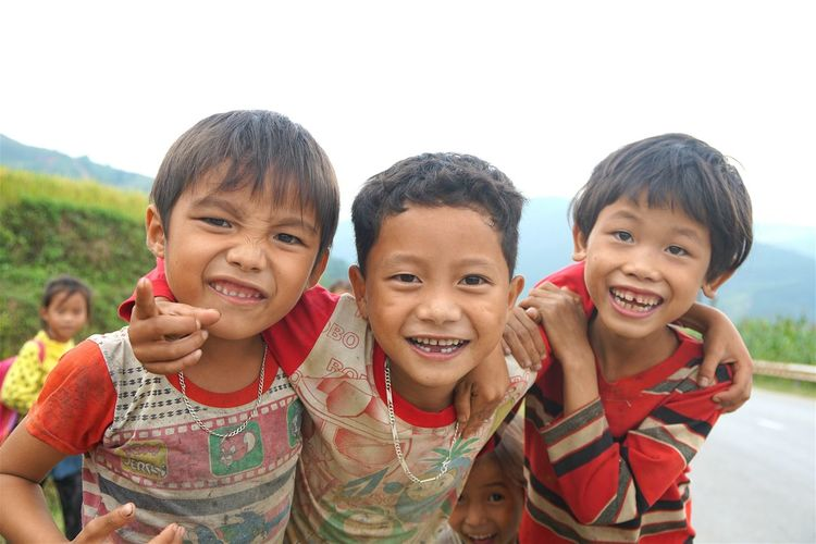Photos That Will Restore Your Faith In Humanity Kidsphotography Mucangchai Vietnam October2015