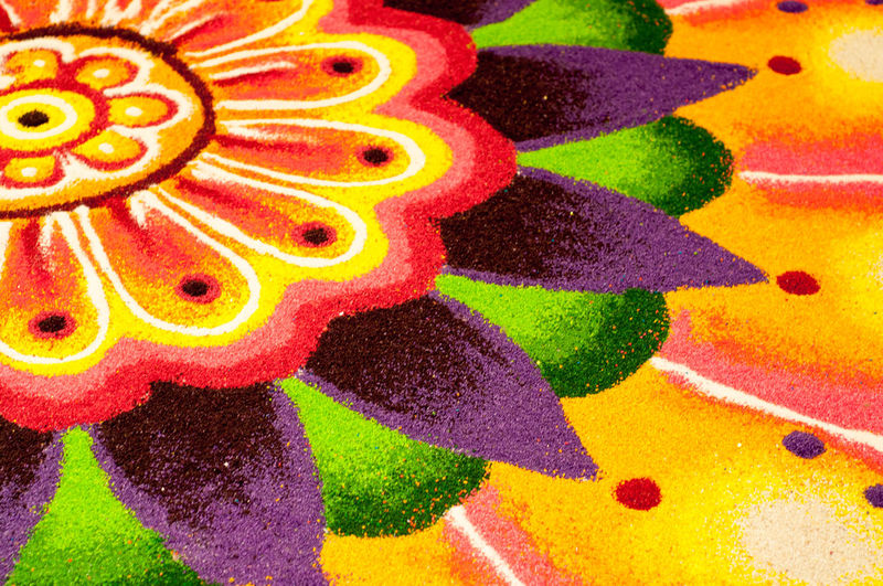 Kolams are drawn and colors are often added during holiday occasions and special events Aripan Celebration Close-up Colorful Decoration Deepavali  Geometrical Patterns Hase Temple Hindu India Kolam Kolamdeepavali Multi Colored Natural No People Ocasion Powder Power In Nature Prosperity Raangolee Raongoli Synthetic Thaipusam Art Is Everywhere