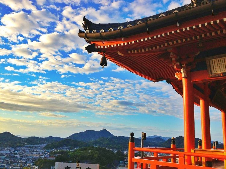 "Clouds Introducing Culture Of Japan Which Must Be Left To The Future……  ""未来に残す日本の文化"""