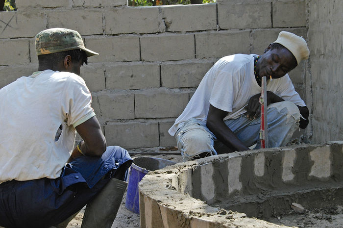 Building Chez Mikky in Niafrang Senegal Construction Construction Site Niafarang Niafourang Niafrang West Africa Africa Casamance Day Occupation Outdoors Real People Senegal Working