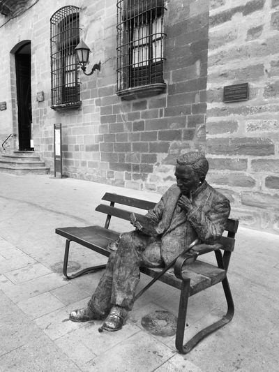 Black And White Friday Antonio Machado Baeza Sitting One Man Only Architecture Day Only Men Esculpture Urban Esculpture