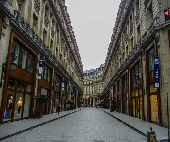Paris Streetphotography Street Photography Canoma Photography Urban France Frankreich Nikon Nikon S8100