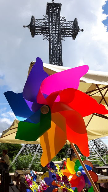 Sculpture Cloud - Sky Amusement Park Arts Culture And Entertainment Multi Colored Outdoors No People Day Sky Cityscape