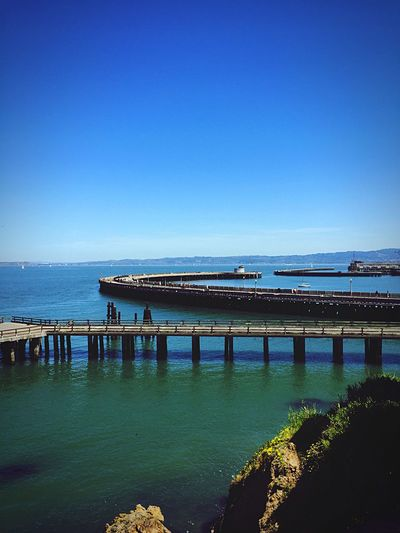 Walking Around Enjoying The Sun On The Bay Enjoying The View Landscape Water Throw A Curve