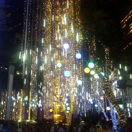 my bibi's monthsary surprise :) lights and sounds show ü Tuesdate Tuesday Lights Beautiful christmaslights pretty amazing sparkle ayala ayalatrianglegardens lightsandsounds monthsarydate monthsary @japsgrande