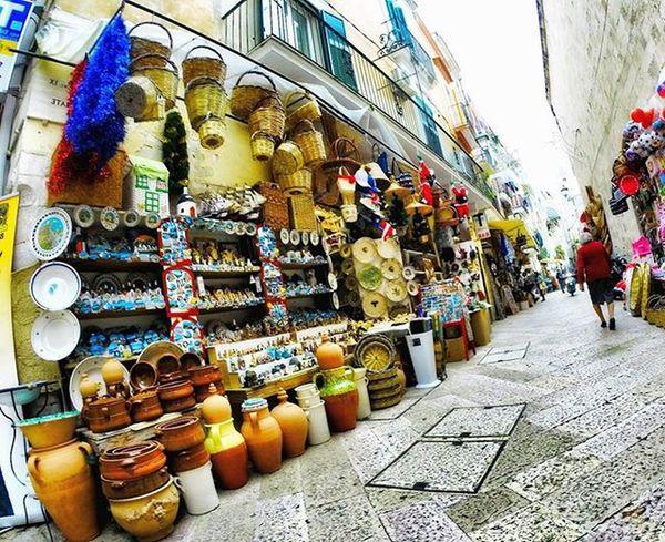 Inside the city🌎 Travel Traveller Travelpics Explore City Italy Story Architecture Love Walk Travelphotography Photographer Photograph Life Landscape Landscape_captures Worldplaces Puglia Market Beautiful Colour Italia Buongiorno Exploring Igworldclub