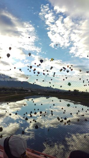 Worlds largest international Balloon Fiesta in Albuquerque, NM Check This Out Onlyinnewmexico Albuquerque Balloonfiesta  Abqphotos Albuquerqueballoonfiesta Newmexico Taking Photos Absorbing Enjoying Life