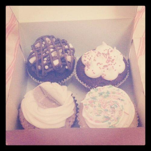 Selfridges Cupcakes Delicious Treats Redvelvet Vanilla Millionaires Rockyroad Greedy Fat