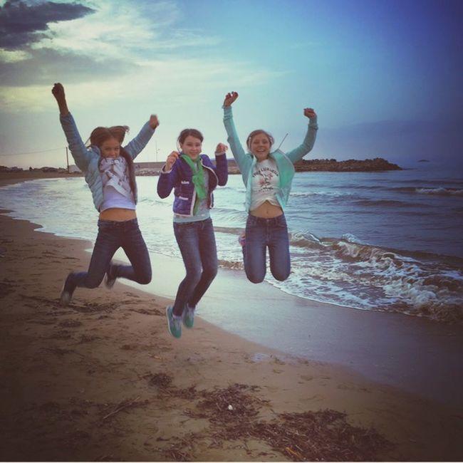 Yeahhhh Jumpstagram Greece Girls Yahoooooo❤👏❤