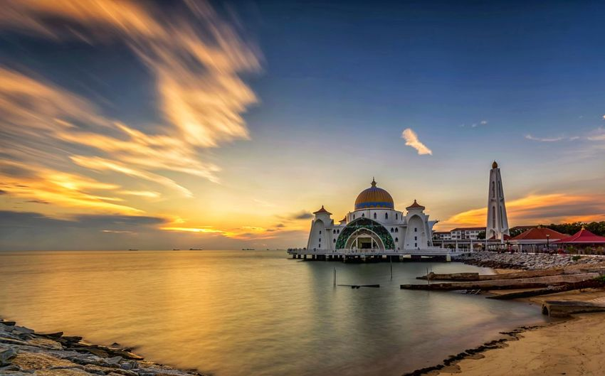 Mosque Sea