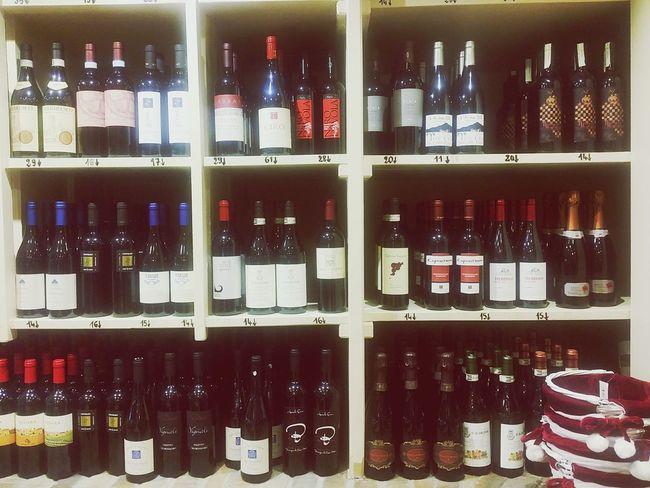 In Vino Veritas Vino Rue De Chabrol Vins Cave à Vin