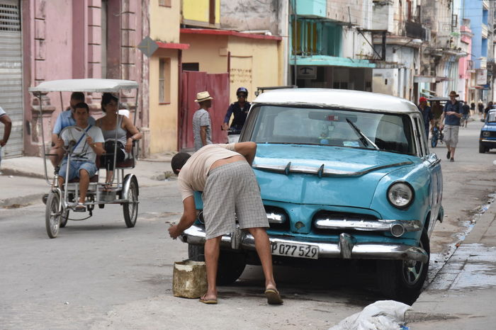 Carrying Havanna, Cuba Street Life Car Carwash Collection In Love Maintainance Mode Of Transport