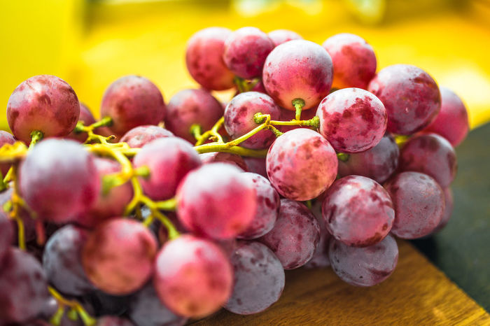 red grapes Growth Surfaces And Textures Blur Blurry Canon6d Close-up Closeup Eye4photograghy Eyem Gallery Food Foodphotography Freshness Fruit Grapes Grapes 🍇 Group Of Objects No People Red Grapes Trauben Vibrant Color