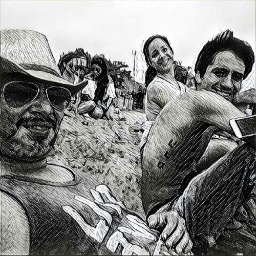 Friends, Montañita, Ecuador Montañita,Ecuador Montañita-Ecuador Montañita Friendship Enjoy Time Enjoying Life Blackandwhite Beach Beachphotography Black And White Black And White Photographyn Life Is A Beach Playa Beach Photography Playa Beach Beachlife Relaxing Sombrero