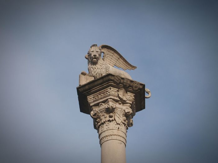 la Serenissima Pillar Column Sculpture Beauty Lion Vicenza Veneto Italy Past Glory Greatness Square Close-up Zoom Low Angle View Architecture Outdoors Detail Statue EyeEm Gallery Eyeemphotography EyeEm Best Shots Macro Photography Winged Lion