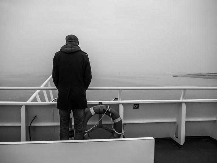 Freie Zeit.. Eyemphotography Eyem Best Shots Bnwphotography Blackandwhite Bnw_friday_eyeemchallenge Morning Light Politics And Government City Men Sea Nautical Vessel Standing Business Finance And Industry Rear View Travel Luggage Boat Deck Ferry Human Back Passenger Craft Back Capture Tomorrow