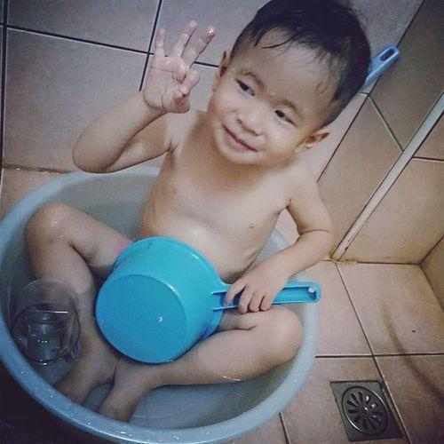 Enjoying Life Family Cousin Take Shower Life Boy