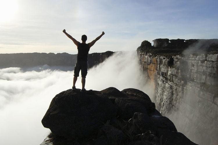 Mount Roraima - Venezuela Canaima Table Mountain Venezuela Cliff One Person Rock - Object Roraima Tepuy