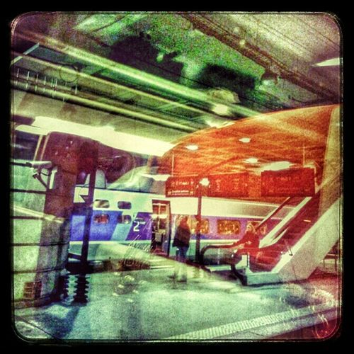 On The Road AMPt Community Couleurs On The Train Reflection