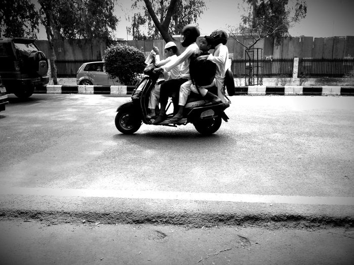 Delhi Roads 4 People On A Bike Children's Ride With There Family❤ Indian Family Happy Family! ❤ April Showcase