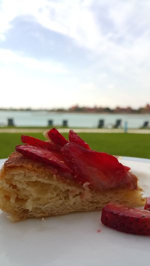 Dessert Beauty In Nature Nature Cloud - Sky Dessert Time Desserts Perry Day Sky Upclose  Blurred Background Steigenberger Hotel Breakfast Lake Lake View