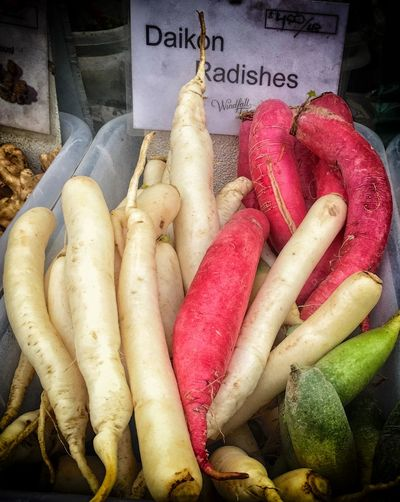 Daikon Radishes Color Reflections Color White Coor Green Farmers Market Organic Radishes Root Vegetables Vegeatbles