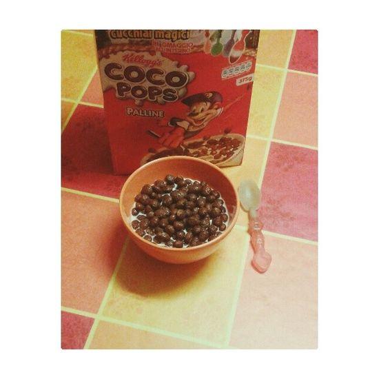 Colazione coco pops ( che bello il cucchiaino!) Breakfast Colazione Now Ora cucina kitchen milk latte cerealialcioccolato cereali kellog's cocopops instagood instafood cucchiaino food foodporn chocolate