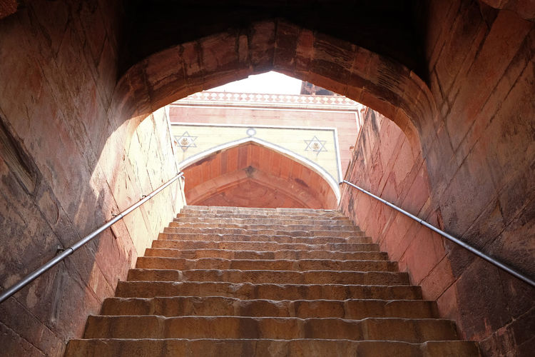 Stairs in Humayun's Tomb, built by Hamida Banu Begun in 1565-72, Delhi, India ASIA Delhi Empire Humayun India Persian Unesco Architecture Emperor Grave Heritage Historic History Islam Mausoleum Moghul Mogul Mughal Old Palace Staircase Steps And Staircases Stone Tomb