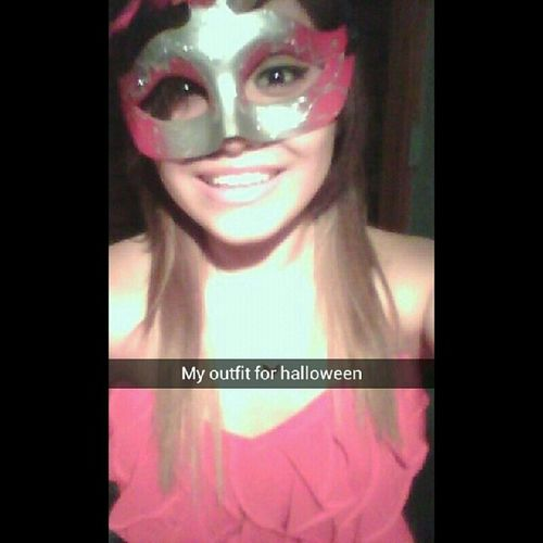 Who is ready for halloween?:D Halloweenoutfit Ilooksilly Bestfriendchooseditforme Shemademe