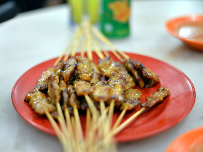 Mar'18: Pork Skewers (Restoran Dong Fung) Malaysia Photography Malaysia Truly Asia Malaysian Culture Malaysian Food Melaka Melaka , Malaysia Melaka Heritage City Skewer Skewered Meat Skewers Asian Food Barbecue Chinese Food Chopsticks Close-up Dinner Focus On Foreground Food Food And Drink Freshness High Angle View Indoors  Japanese Food Malacca Malacca,malaysia Malaysia Malaysia Scenery Malaysian Malaysianphotographer Malaysianstreet Meal Meat Melaka Malaysia The World Heritage Melaka Photos No People Plate Pork Satay Ready-to-eat Satay Satay With Bamboo Stick Selective Focus Serving Size Skewered Food Skewered Pork Still Life Table Tray Wellbeing EyeEmNewHere
