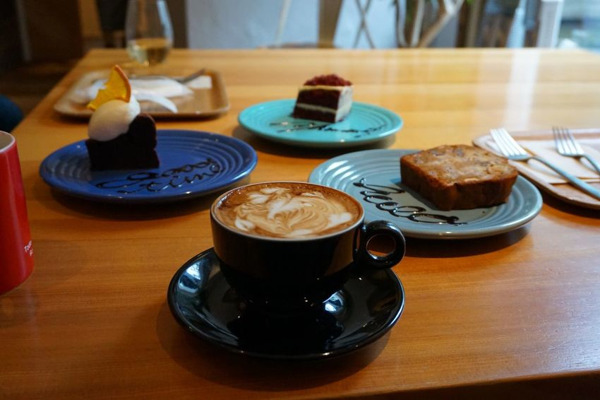 Latte Coffee Break Coffee Time Coffee Indoors  Refreshment Dessert No People Freshness Sweet Food Food Drink Cake Ready-to-eat Close-up Serving Size