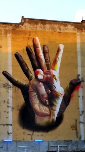Graffiti Streetphotography Streetart Painting Taking Photos Berlin Berlin Photography Samsungphotography EyeEm Human Hand Human Body Part Human Finger Hand Palm Stop Gesture Body Part Close-up #FREIHEITBERLIN