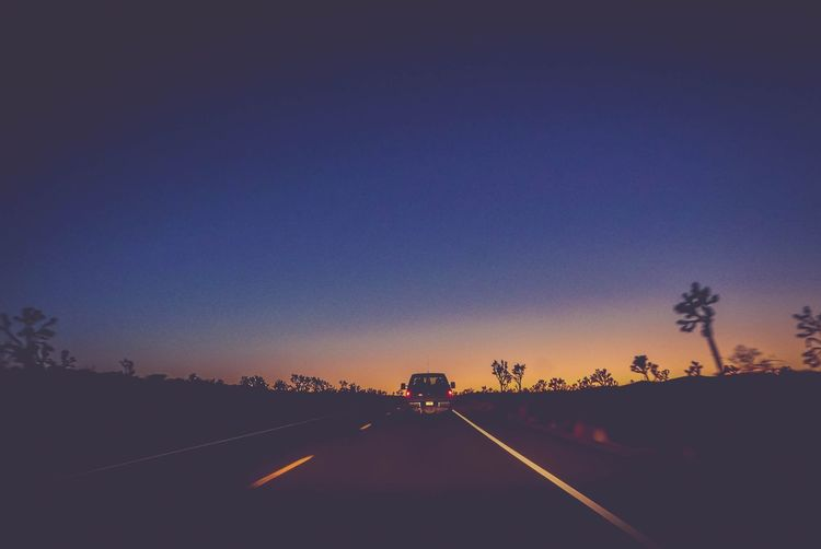 endless road Estrada CFPRS Ricardobarbosa Follow Trip Travel USA Arizona Picjup Truck Night Sunset Sky Road Tree Sunset Road Clear Sky Car Driving Road Sign Silhouette Blue Car Point Of View Summer Road Tripping The Great Outdoors - 2018 EyeEm Awards EyeEmNewHere The Traveler - 2018 EyeEm Awards