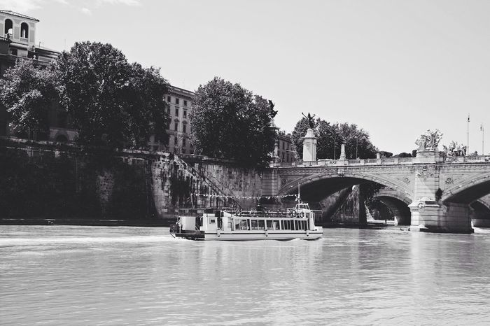 Tiber Cruisin' - Vscocam Cruising River Cruise