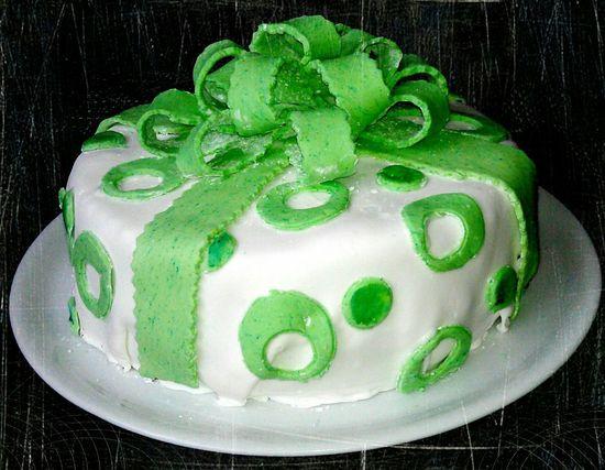 Birthday Cake Cake Torte Geburtstagstorte Geburtstag Bow Schleife Green Grün Food Porn Awards