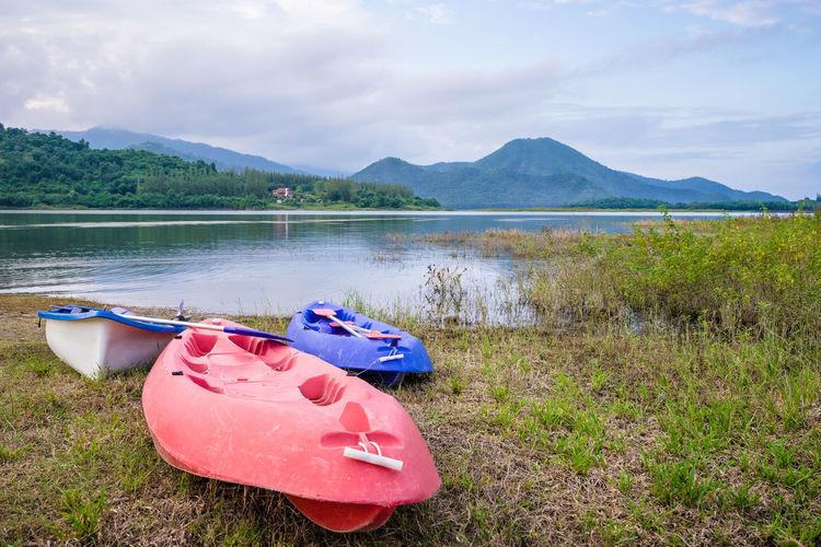 kayak near the