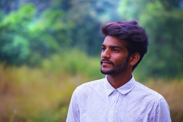 Beard White Shirt Shirt Standing Multi Colored Beautiful People Fashion Hairstyle Face EyeEm Nature Lover EyeEm Selects EyeEm Gallery EyeEm Best Shots Getty Images Green Color Hair Style Tree Area Formal Clothing Portrait Men Handsome Beautiful People Headshot Businessman Close-up Thoughtful Posing Blooming Colorful Head And Shoulders