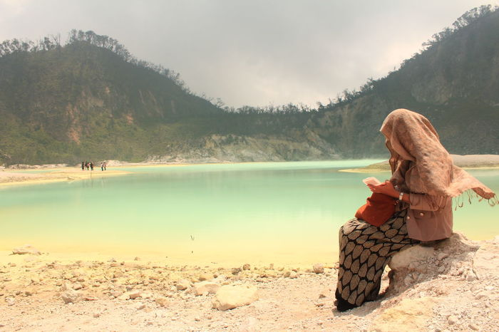 Candid Traveling Family INDONESIA