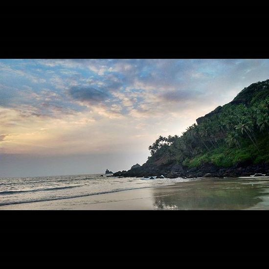 """This kinda beautiful view always reminds me of one of my favorite TV series """"LOST"""" Beach Favoriteplace Iloveit Peaceful Bliss NoEdits  Goa Picmygoapic Goanlife Ahd Goa Mytravelgram"""