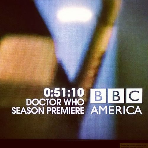 Emergerd you guise I'm flipping out ???? Doctorwho Petercapaldi Excited Hurryup