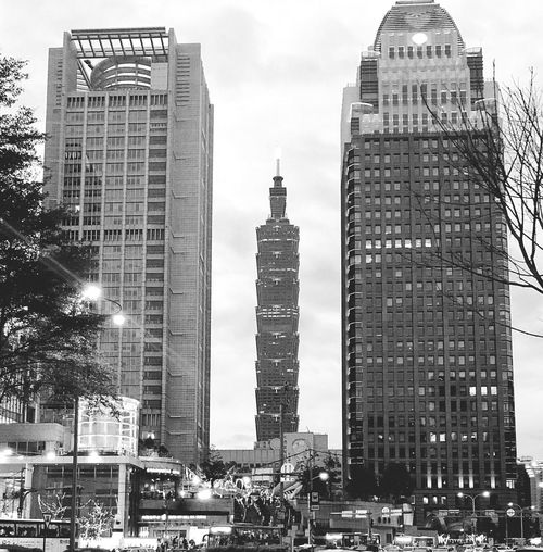 101 in between Streetphotography Taipei Blackandwhite Taipei 101 Architecture Skyscraper Building Exterior Tall - High Tower Modern City Built Structure Travel Destinations