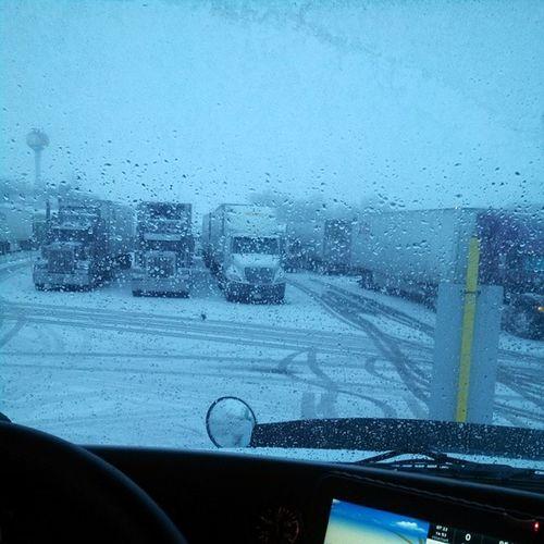 Truckinglife Truckerslife Lifeontheroad Truckersjourney roadlife mypic life love work hammerdown igaddict bigrig 2014 picoftheday roadtrip braziliantrucker winter snow