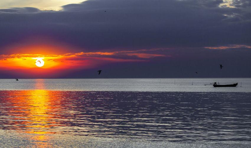 Sunset Landscape Sea Sun Horizon Over Water Beauty In Nature Comebackhome