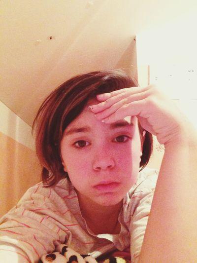 Das bin ich am Abend wenn ich müde bin. Schau so Scheise aus ?❤️?