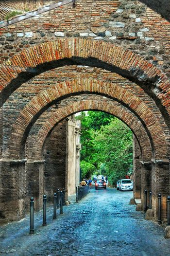 """""""Marcus Aemilius Scaurus' Summit Road"""" - Roma (Ancient street which linked Circo Massimo and the Colosseo) Rome Roma Photobydperry Arch Built Structure Day Transportation Architecture Romanarches Ancient Ruins Ancientstreet Moving Around Rome"""