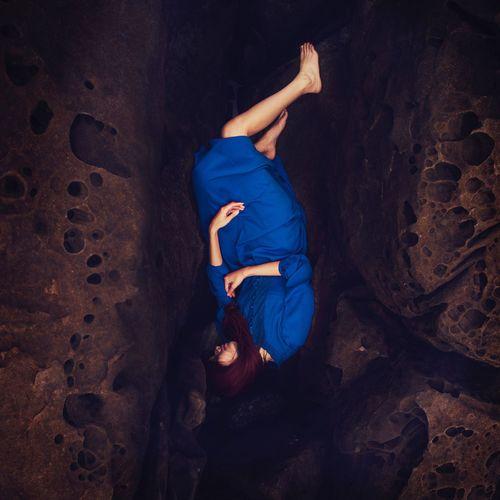 生命都是脆弱的 Woman Blue Rock Fine Art Photography BoShiuan Shiuanphoto Color
