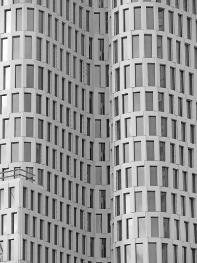 Abstract Abundance Architectural Feature Architecture Backgrounds Building Built Structure City Close-up Conformity Day Design Detail Full Frame Geometric Shape In A Row Modern No People Outdoors Pattern Repetition Side By Side Upper West The Architect - 2016 EyeEm Awards Reflections Capture Berlin ミーノー!! Break The Mold Black And White Friday Colour Your Horizn Visual Creativity #FREIHEITBERLIN